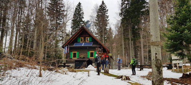 22.4.2019 Predmeja-Iztokova koča-M.Golak(1495m)-brezpotje Cingolca(1307m)-Čaven-Zavetišče A.Bavčerja-Predmeja